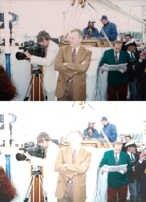 Vladimiras Putinas su žaliu švarku. Priekyje - jau matytas Anatolijus Sobčiakas. Apačioje - ta pati nuotrauka bet pašviesinta, kad matytųsi Vladimiro Putino kelnių spalva.