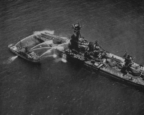 USS New York plaunamas po Baker branduolinio bandymo