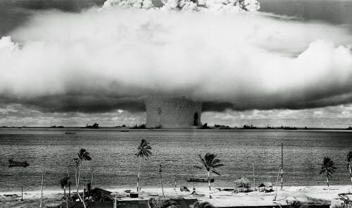 Branduolinis bandymas Bikini atole. Baker testas.