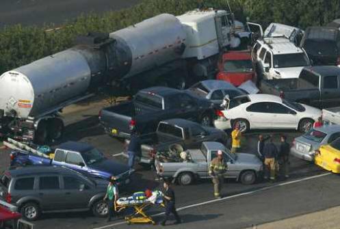 Sunkvežimis-benzovežis, avarija
