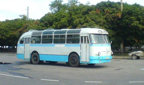 LAZ-695e