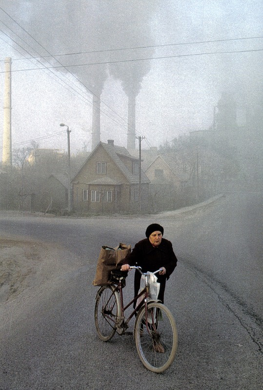 Kunda, Estija. Cemento gamyklos dūmai.