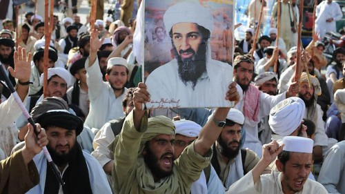 Talibanas, demonstracija Pakistane po Osamos Bin Ladeno nužudymo.