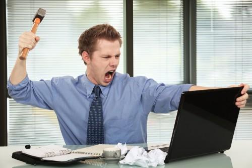 Sistemų administratorius įsako kompiuteriui paklusti.