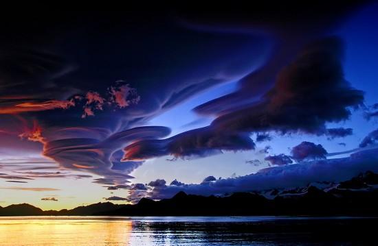 Galima išsiaiškinti, kaip atsiranda debesys, kaip jie keičiasi, ir netgi kažkur kažkaip juos paveikti. Tačiau tikėtis, kad debesys ims elgtis pagal kokių nors veikėjų susigalvotas taisykles - tai absurdas.