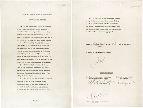 Vokietijos besąlygiškos kapituliacijos aktas, pasirašo generolas Alfred Jodl. Aktas įsigalioja gegužės 8 dieną.