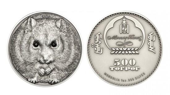 Mongolija manęs proga netgi išleido pinigus. Neškite man pinigus. Pinigus visus. Grynaisiais.