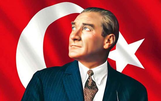 Mustafa Kemal Ataturk - tai žmogus, kurio dėka Turkijoje atsirado demokratija ir kurio idėjos 90 metų buvo visos Turkijos ideologija. Jis ne šiaip sau vadinamas visų turkų tėvu. Perversmo bandymas Turkijoje - tai klausimas, ar Turkija toliau eis link Vakarų, ar pradės grimzti į islamizmą.